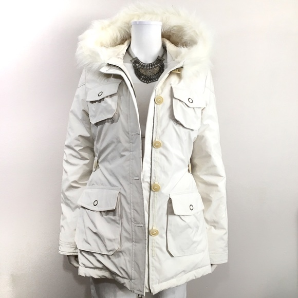 3d858ef5074d Banana Republic Jackets   Blazers - Banana Republic Down-Filled Faux Fur  Parka Jacket